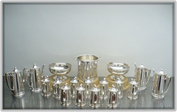 Cropped silver polishing after burnishing compound application